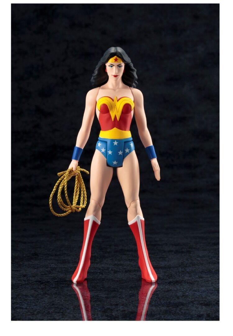 Wonder Frau Official Classic ARTFX+ Figure By Kotobukiya