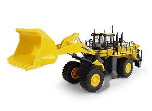 UH-Universal-Hobbies-1-50-Komatsu-WA600-8-Wheel-Loader-DieCast-Model-UH8127