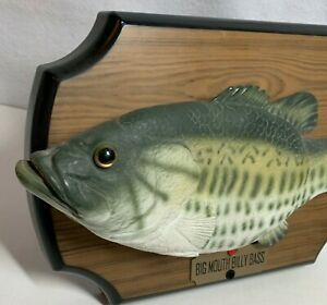 Vintage-1999-Big-Mouth-Billy-Bass-Singing-Talking-Animated-Fish-Gemmy-Test-Video