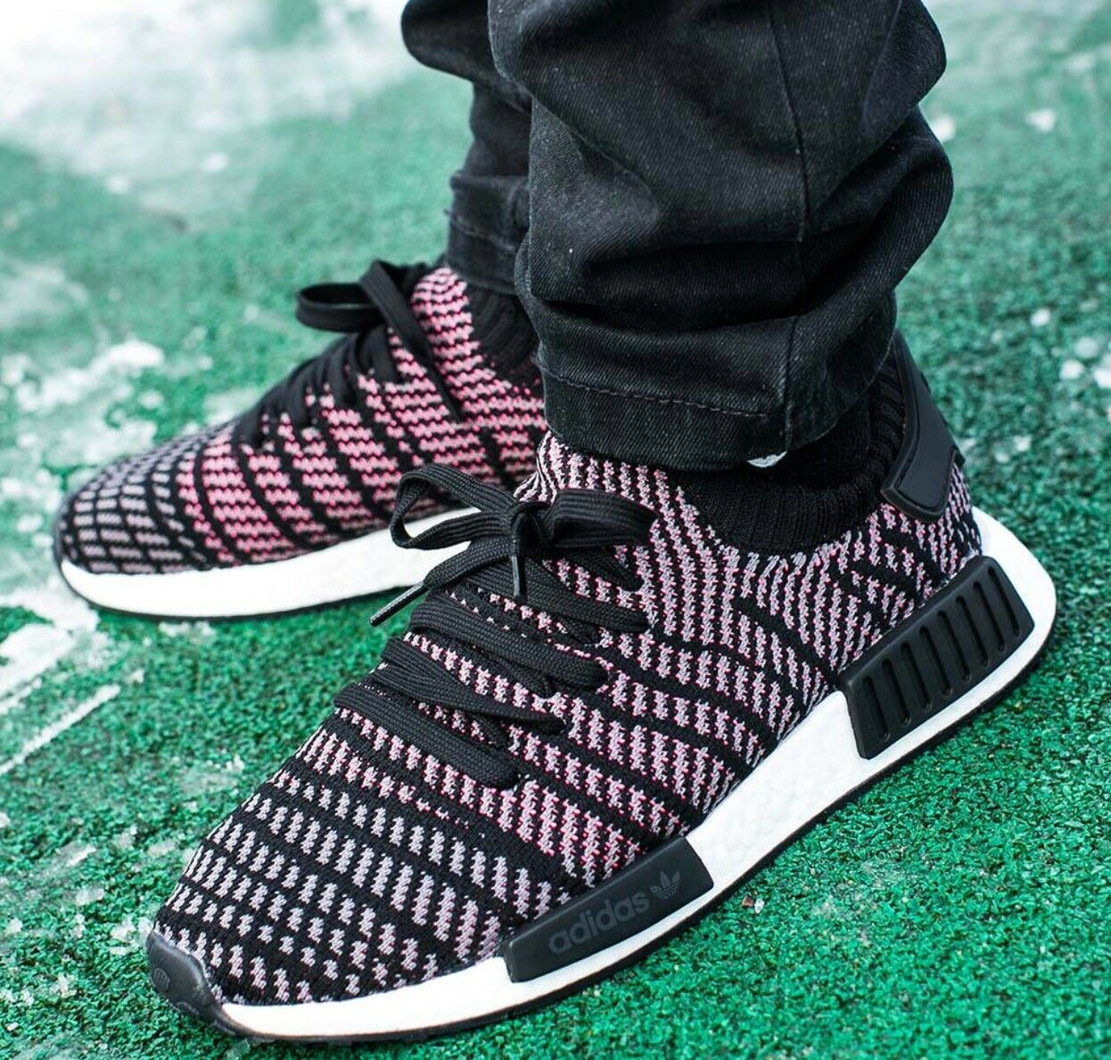DS NIB MENS ADIDAS NMD_R1 STLT PRIMEKNIT CQ2386 SHOES RUNNER SZ 13 FREE SHIP AIR