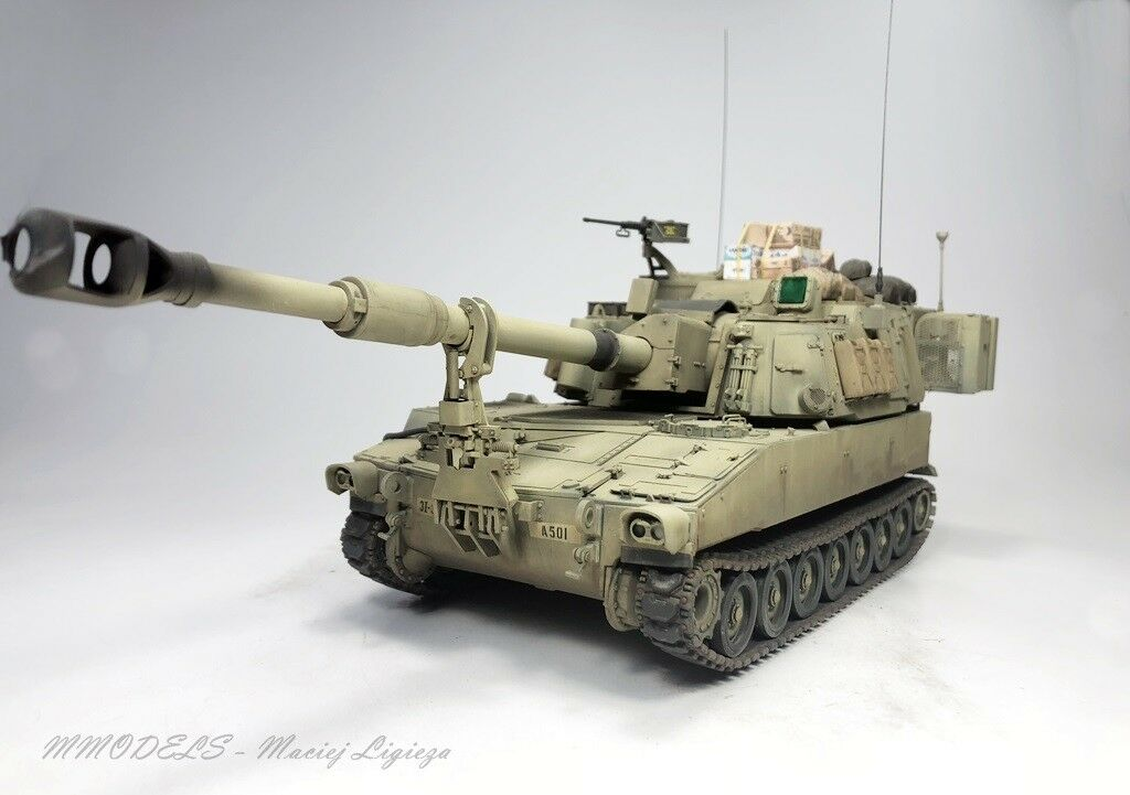 M109A6 Paladin scale 1 35 - built and painted (Pro-Built)