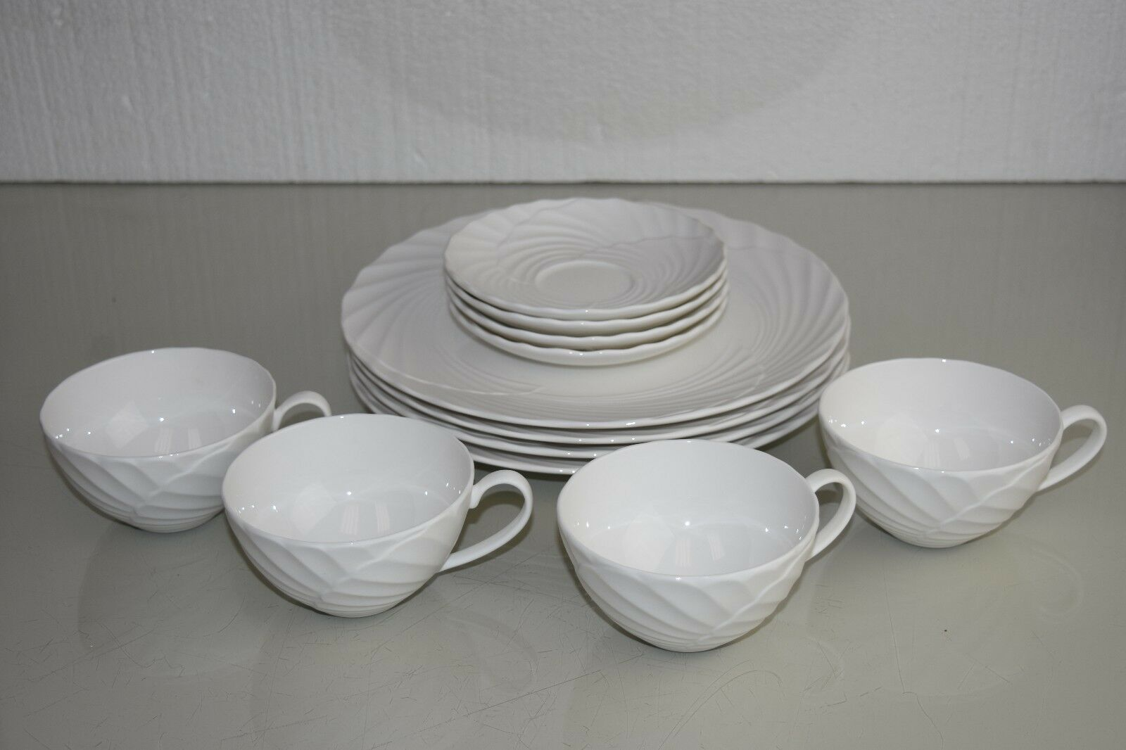 NEW Lenox Marchesa Weiß Pleated Swirl 12 12 12 pc SET 4 Dinner Plate s 4 Saucer 4 Cup cddc94