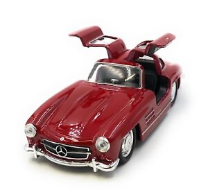 Model-Car-Mercedes-Benz-300-Sl-Oldtimer-Red-Car-1-3-4-39-Licensed