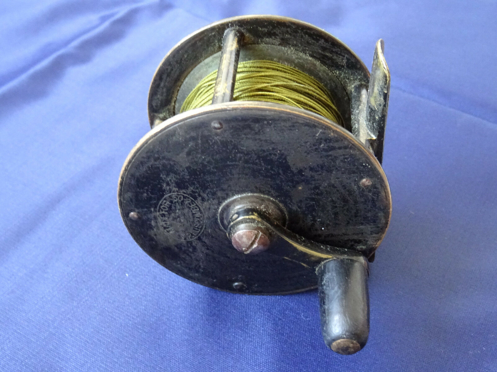 Un raro vintage T P LUSCOMBE & Co 2 12 ampio tamburo in ottone Manovella Vento Fly Reel