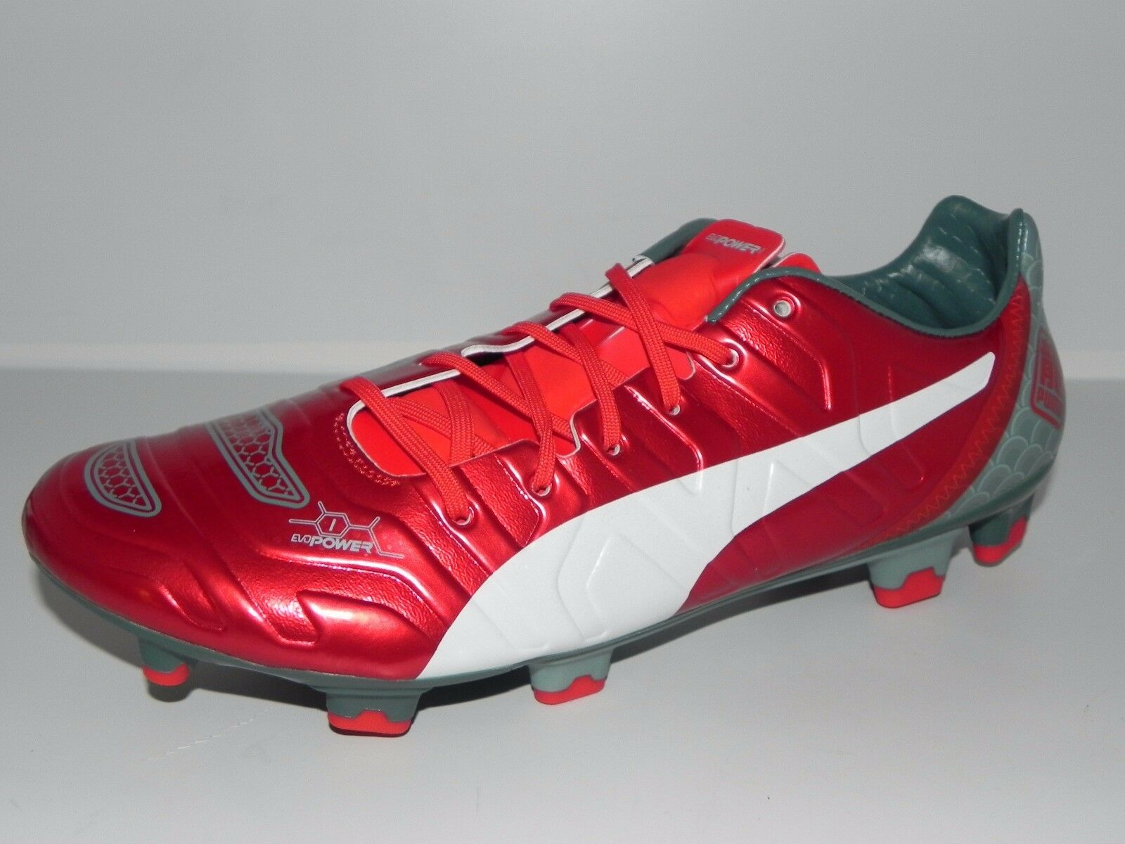PUMA evoPOWER 1.2 Graphic Men's Soccer Cleats 103423 01 (Size 7.5)