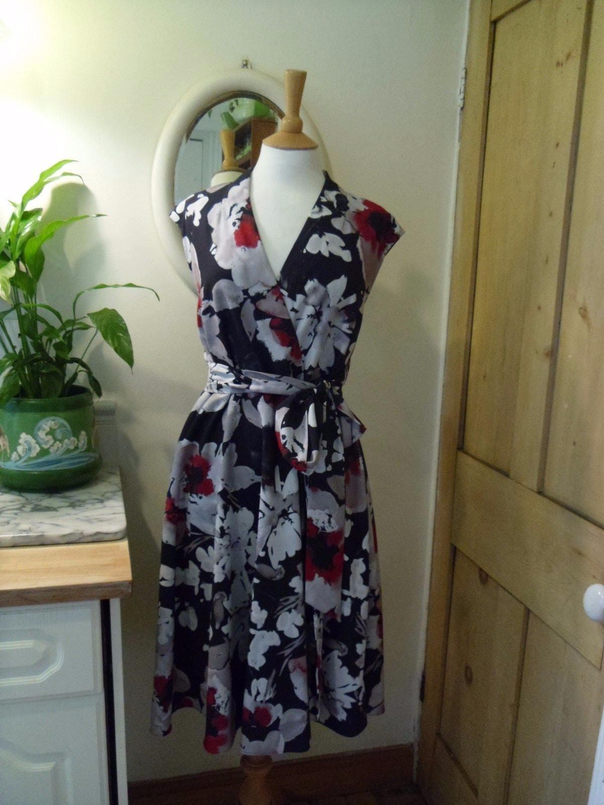 HOBBS Delphine Vestido Acuarela nuevo 14 JOHN LEWIS  Etiqueta Floral Print  Con 100% de calidad y servicio de% 100.
