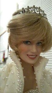 Princess-Diana-Porcelain-17-Doll-w-Elvis-Pearl-Gown-amp-Tiara-Franklin-Mint