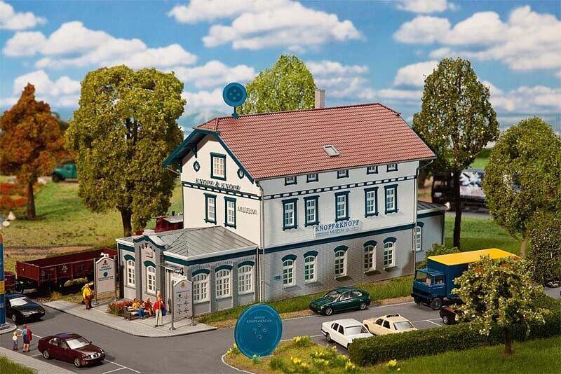 Faller 130909 Museo Bottone & bottone, 314 x 121 x 171 mm + + NUOVO IN SCATOLA ORIGINALE