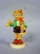 """Hummel: Figur """"Junge mit Holzpferd"""" (Größe ca. 8,5 cm) HUM 239/C  8QL7042"""