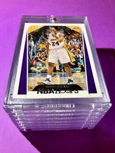 Kobe-Bryant-NBA-HOOPS-FIST-PUMP-HOT-LAKERS-BASKETBALL-CARD-INVESTMENT-Mint
