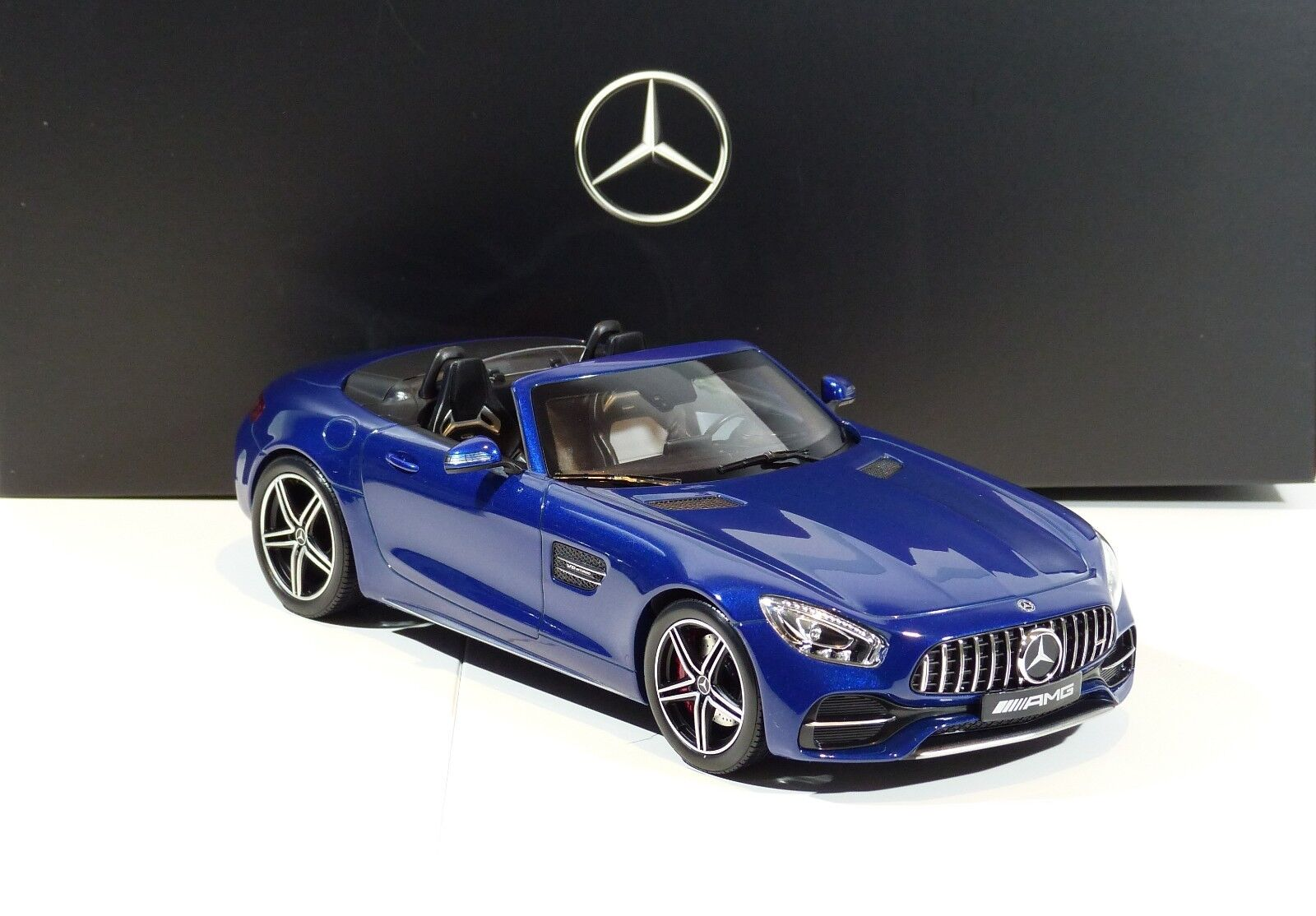 MERCEDES-BENZ AMG GT C ROADSTER BLU METALLIZZATO (2017) NUOVO OVP 1 18