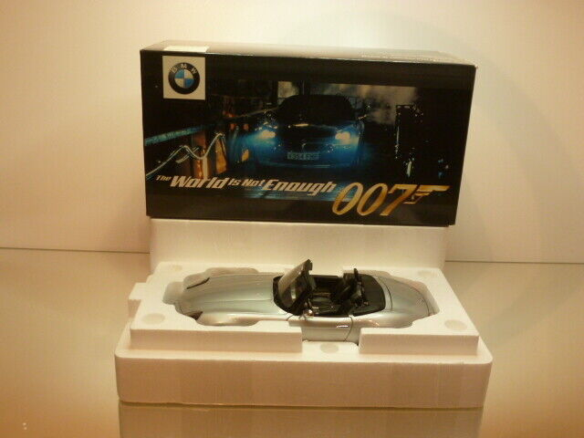 KYOSHO BMW Z8 - JAMES BOND 007 - WORLD IS NOT ENOUGH - 1 18 - EXCELLENT IN  BOX