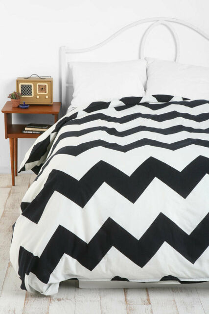Urban Outfitters Zigzag Duvet Cover Twin Xl Black White Chevron