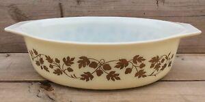 Pyrex Gold Acorn Cinderella Vintage Casserole Dish 2 1/2 Qt Oval