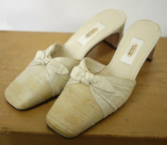 Vintage TALBOTS Cream Silk Fabric Pumps Dyeable Wedding Formal Mules Pumps Fabric 5.5M 35.5 49439e