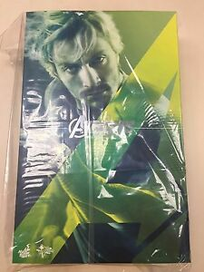 Hot-Toys-MMS-302-Avengers-Age-of-Ultron-AOU-Quicksilver-Aaron-Taylor-Johnson-NEW