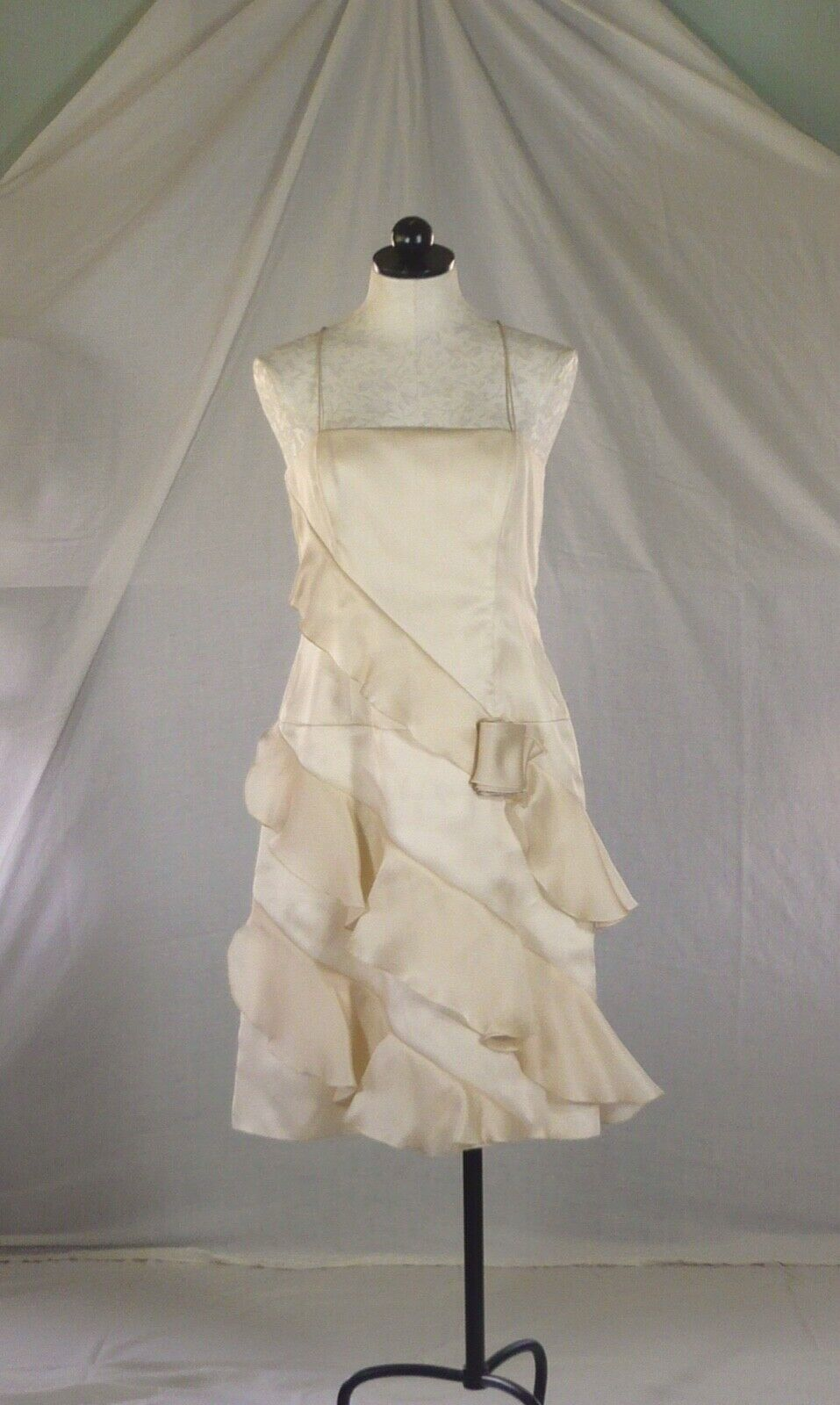 LINDA CUNNINGHAM soie ivoire robe de soirée en diagonale mousseline volants 10