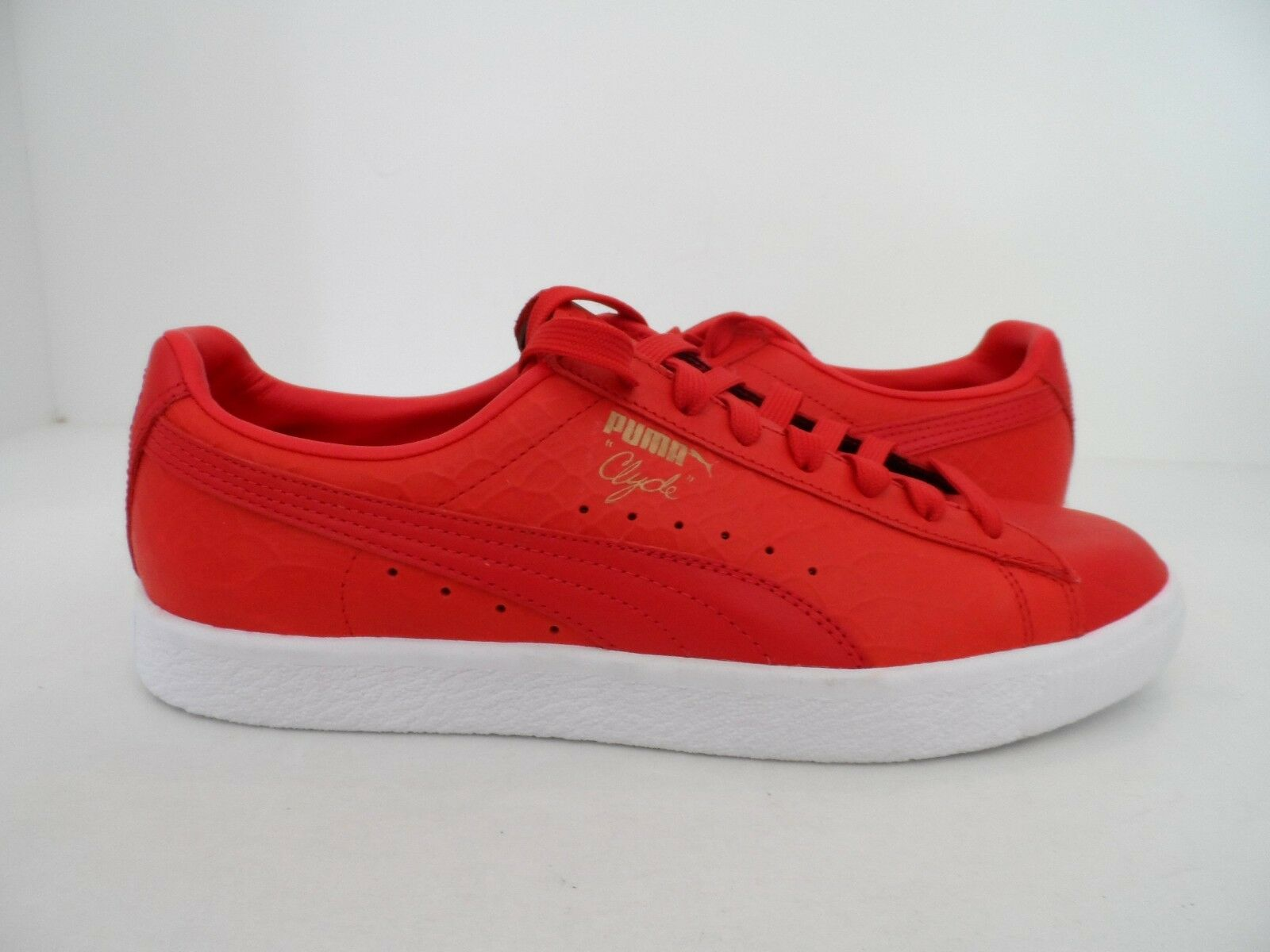 PUMA Mens Clyde Dresses Fashion Sneaker Red Size 9.5