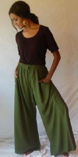 Green palazzo pants one size M L XL OS 1X 2X split skirt gaucho