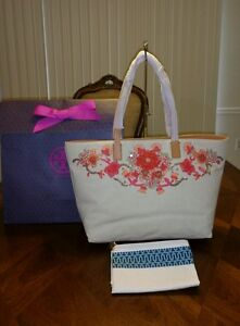 d4cf9107c528 NWT Tory Burch Rodeo EW Tote with Tory Gift Box 887712411115