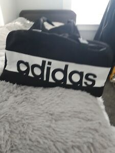 Adidas-holdall-gym-bag-black-and-white-Excellent-condition