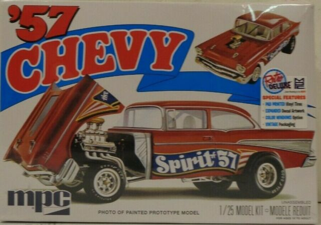 Spirit of 57 plastic model kit 1//25 MPC 904 1957 Chevy Bel Air Flip Nose