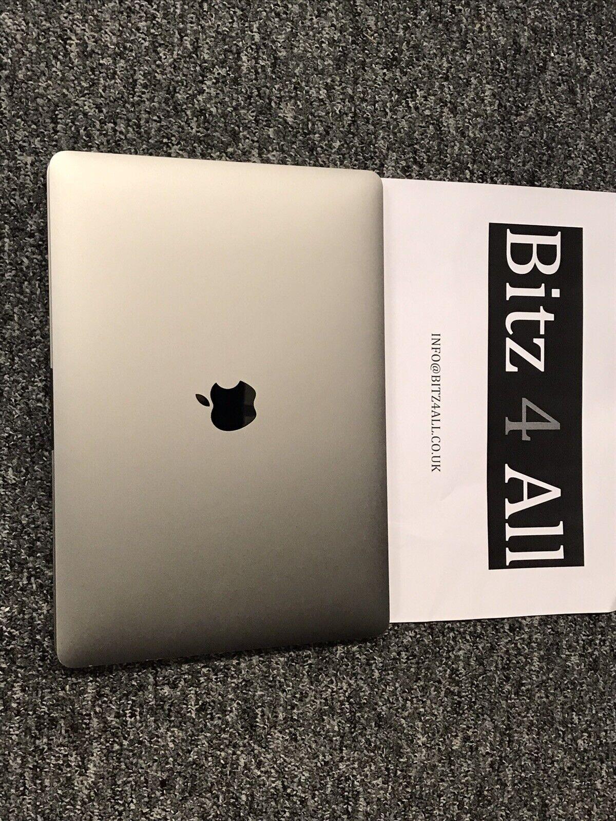macbook: MacBook Pro 13.3 Core i5 6Th Gen 2.0Ghz 8GB 256GB Grey (Late 2016) A Grade Sale