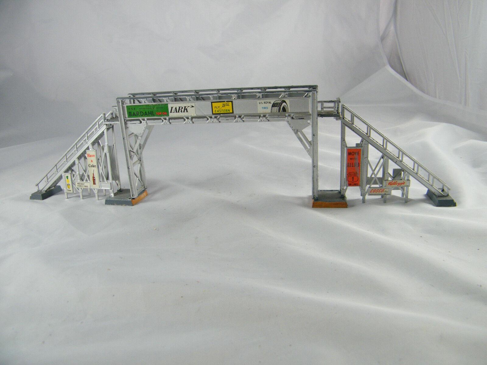 Jahr  HO SCALE  PASSENGER BRIDGE WITH ADGrünISING  COKE LARK BARDAHL ETC..