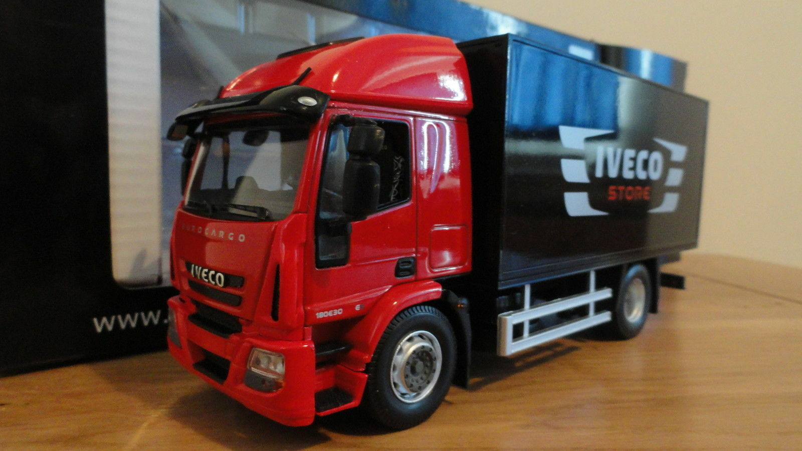 NOREV IVECO EUROCARGO RED, 1 43, NEW