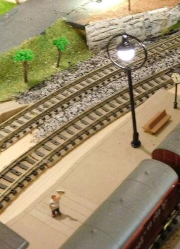 ca 65 mm hoch aus Metall 3 schwarze Ringlampen LED Bahnsteiglampen