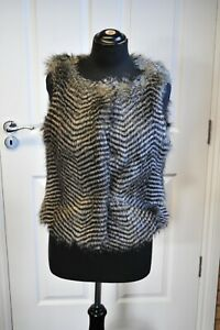 Women-039-s-Warehouse-Faux-Fur-Gilet-in-Grey-and-Black-size-M