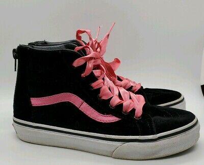 D) Vans Girls Size 2.5 Black And Pink