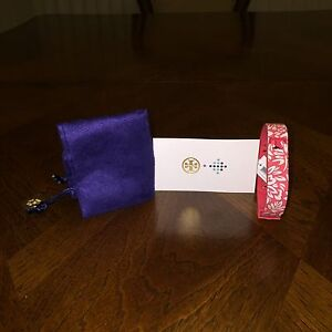 NWT Tory Burch for Fitbit Silicone Printed Bracelet Pink/White M/L