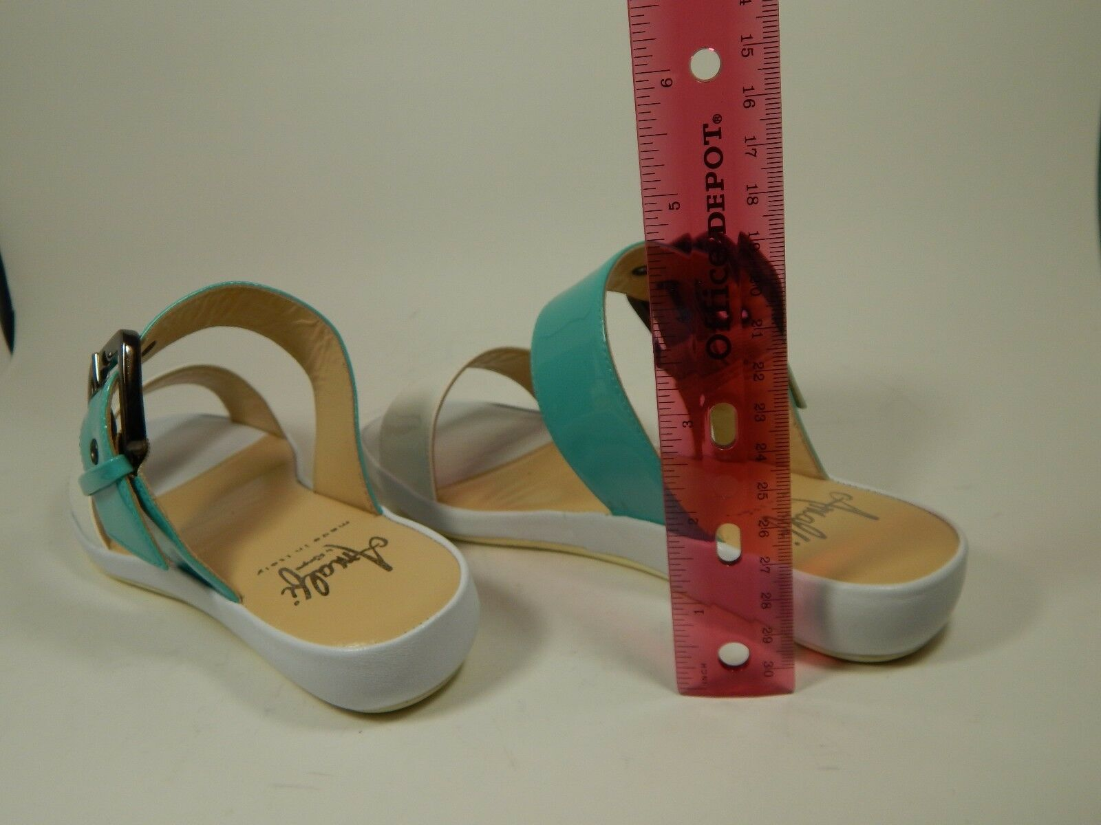 215 New Amalfi Amalfi Amalfi bluee Aqua White Patent Leather Slip On Sandals Slides 6 M 0ce720