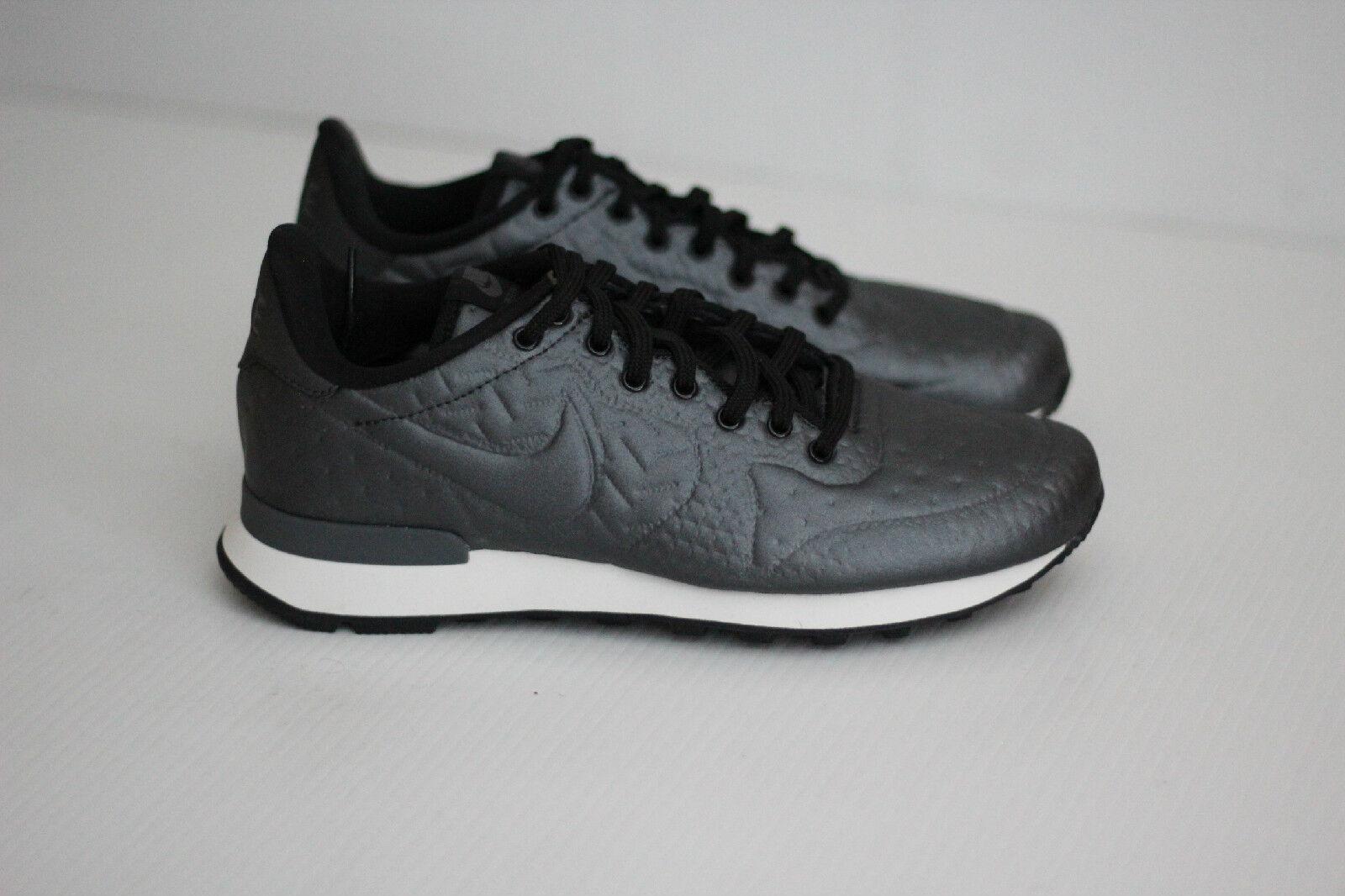 Nike Women Internationalist Jacquard Winter Sneaker - Metallic Dark Grey - 8.5US