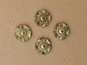 Lot-de-4-petits-anciens-bronzes-d-039-ameublement-en-bronze-de-style-Louis-XVI