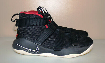 lebron james shoes youth size 3