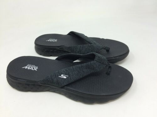 New w//defect Women/'s Skechers 14656 On The Go 400 Vivacity Black Sandal B4
