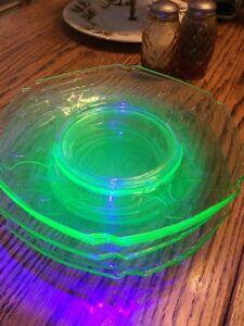 Green-Uranium-Glass-8-Double-Shield-Plates-5-Total-RARE