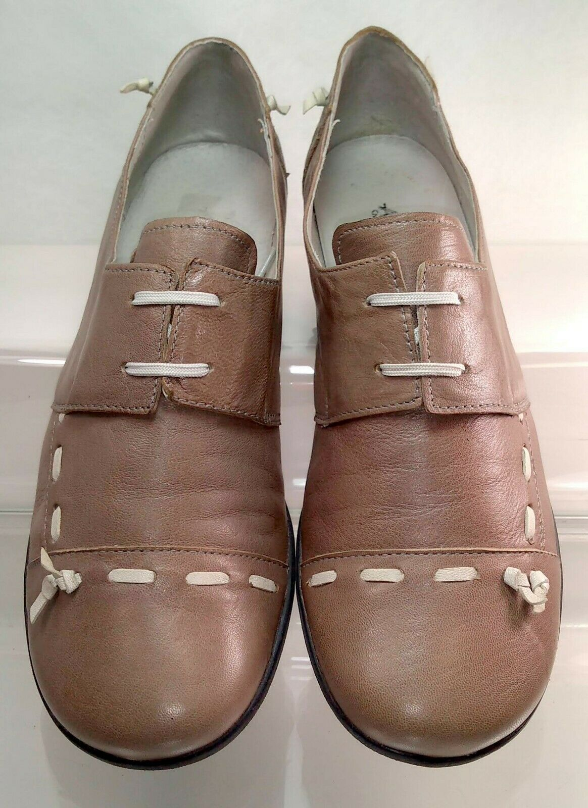 ARIMA Pour Elle Lace Up Stitch Taupe Leather Women US 9   40 Well Maintained