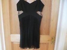 Para Mujeres Vestido negro de Bershka talla 12 36 cintura busto 30