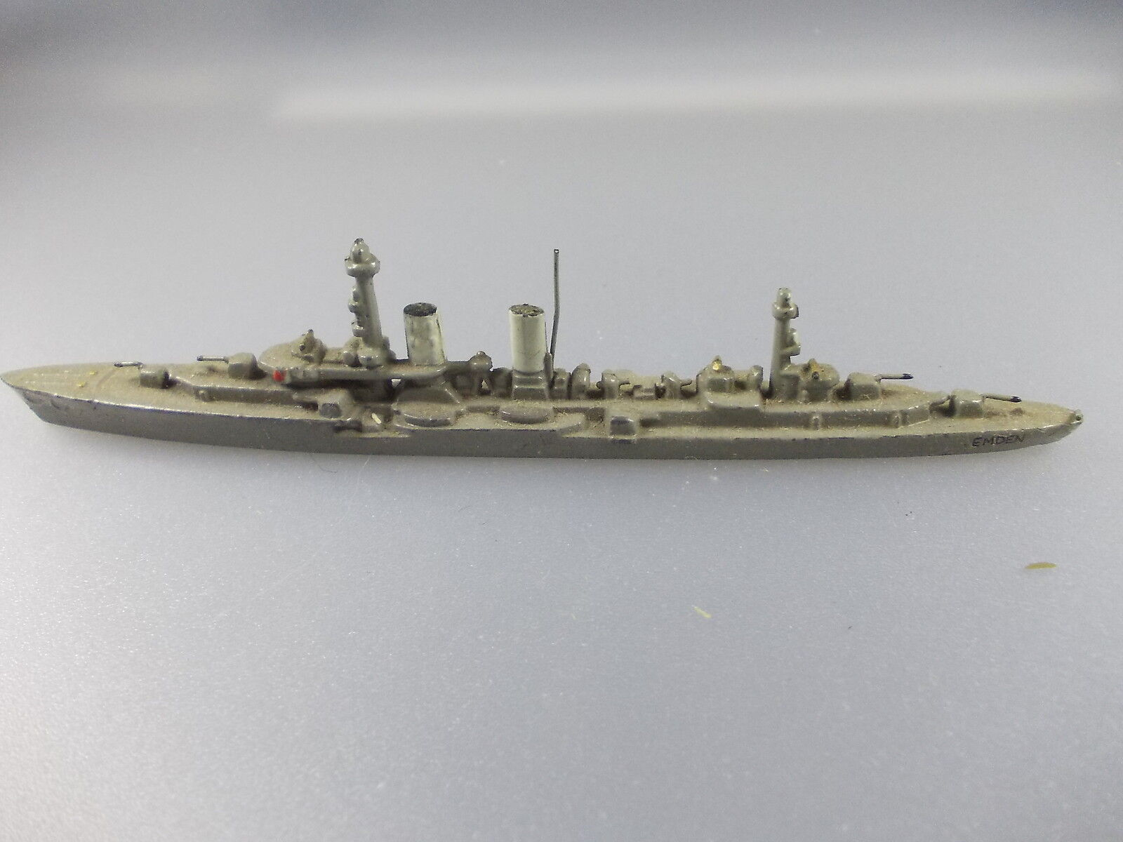 "Wiking Wiking Wiking  crucero ligero ""Emden III"" (nº 32 k16)  alta calidad general"