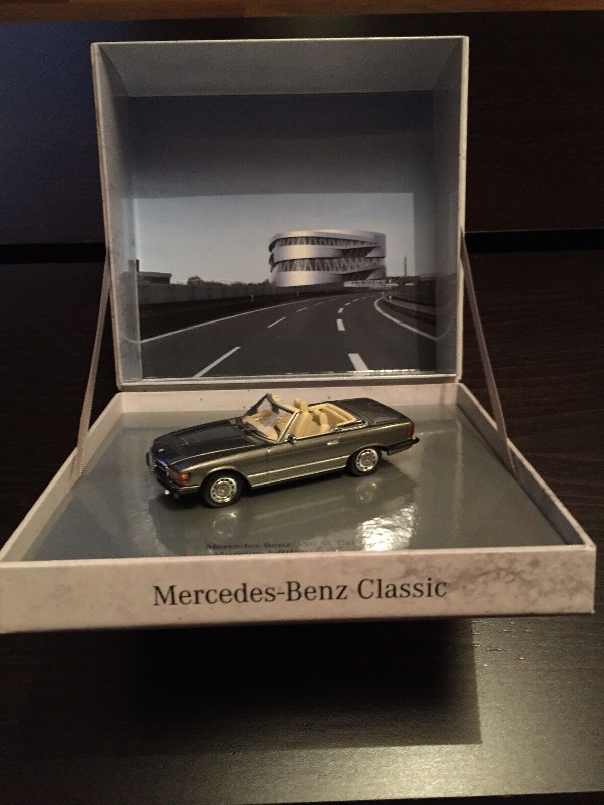 RARE MERCEDES 350 SL R107 ANTHRACITE GREY MUSEUM 1 43 MINICHAMPS (DEALER MODEL)