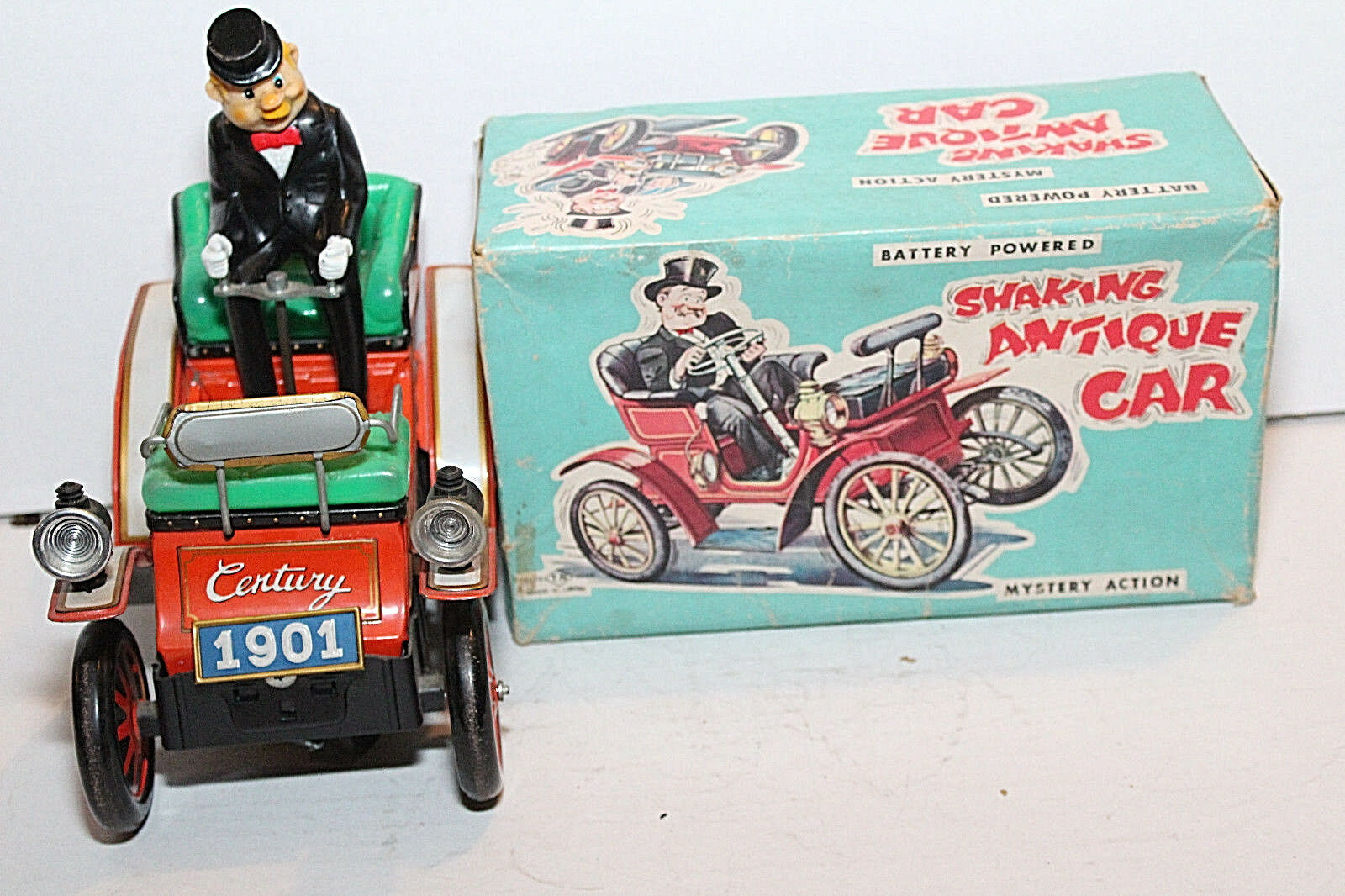 Vintage T.N.  SHAKING ANTIQUE CAR, WORKING   WITH BOX GREAT CONDITION