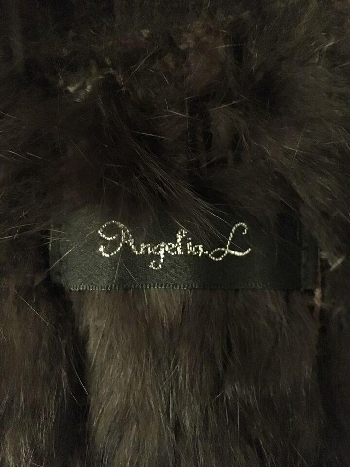 Vest, Pels vest, Angelina L