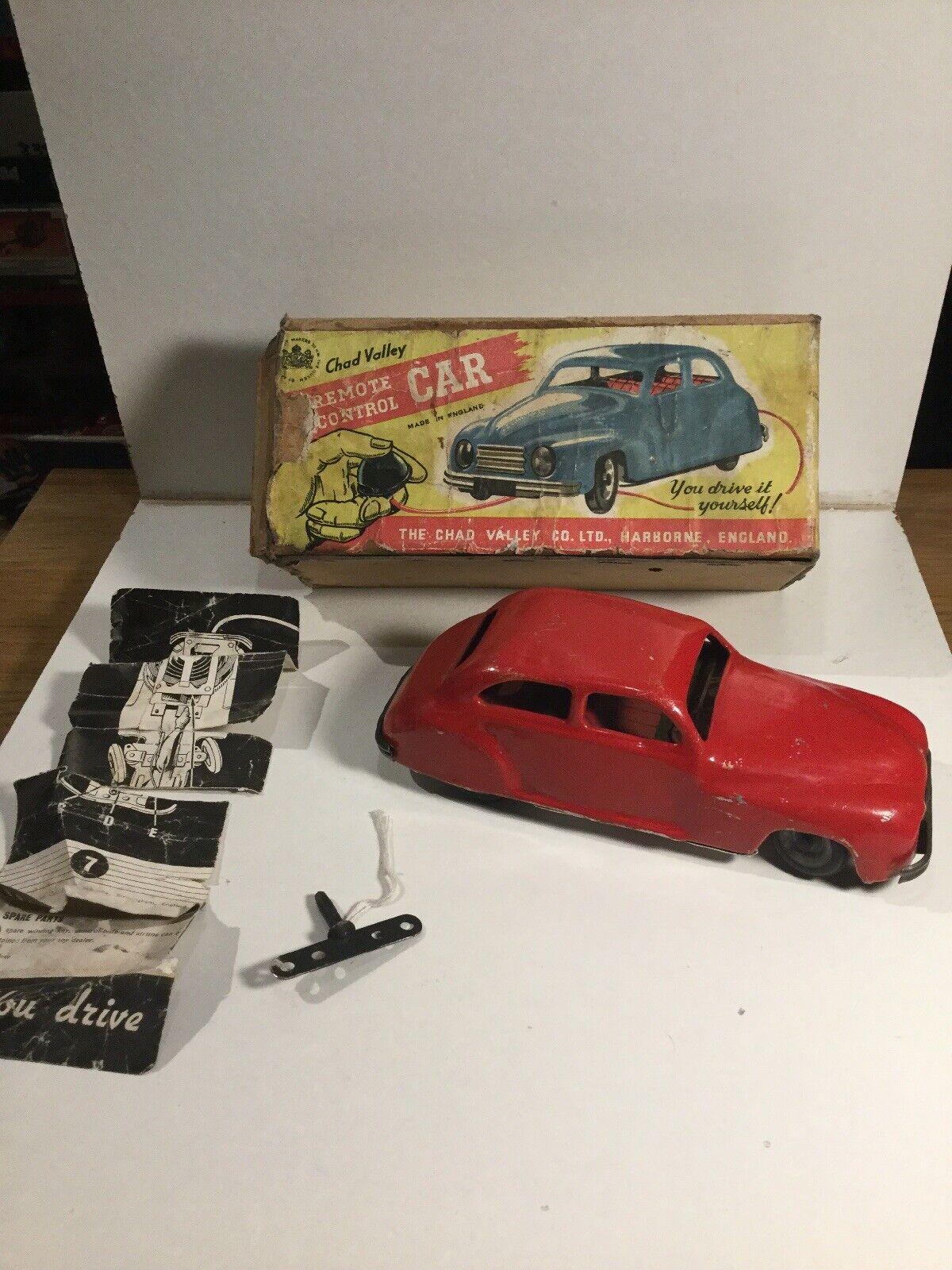 Vintage década de 1950 Chad Valley hojalata Clockwork Coche en Caja de trabajo y las instrucciones