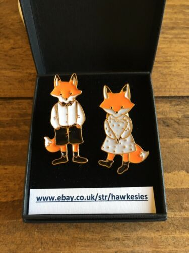 Gift Box Cute High Quality Kawaii Mr And Mrs Fox Enamel Pin Badges Set