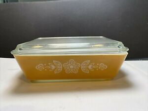 Vintage Pyrex #0503 1-1/2 qt. Refrigerator Dish Butterfly Gold, Pyrex lid 503-C