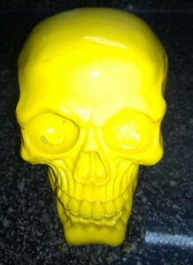 Halloween-Skull-Skeleton-head-Bright-Yellow-Color-Style-Ornament-Model-Resin