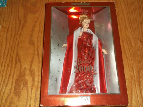 BARBIE DOLL COLLECTOR EDITION 2000 RED GOWN